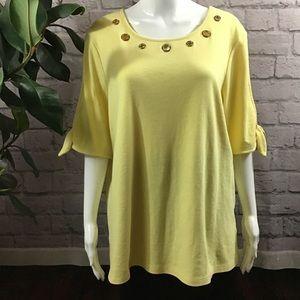 🌻 SALE! 3/$20 Yellow grommet XL open sleeve top